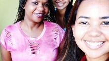 eu Ana Paula,  Juliana Augusta da Silva e minha irmã ao fundo Julieze ? Obrigada