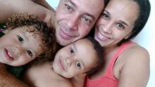 Feliz dia dos pais, para o melhor pai do mundo. Lucas e Anna!!!