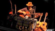 Almir Sater embala a noite com show no Cerrado Brasil