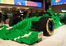 O maior carro de F1 do mundo da Lego bate recorde com meio milhão de peças