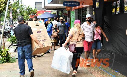 Início da 'Black Friday' tem movimento tímido no comércio em Dourados
