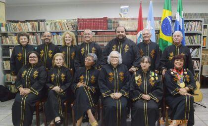 Academia Douradense de Letras realiza 'Chá Literário' nesta quinta