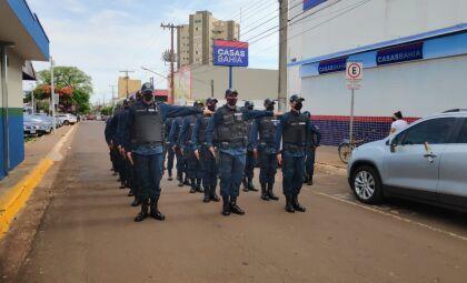 PM reforça policiamento no centro para o fim de ano em Dourados