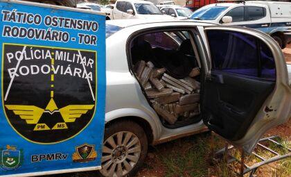 Polícia apreende veículo com mais de meia tonelada de maconha