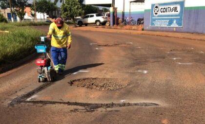 Prefeitura empenha R$ 1,7 milhão para comprar material do tapa-buracos