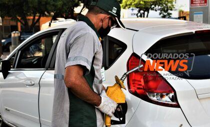 Com leve alta, média da gasolina comum é de R$ 5,89 em Dourados