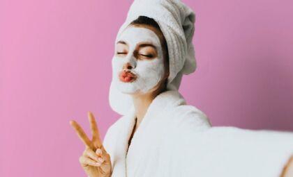 Máscaras faciais: quatro dicas para manter a pele hidratada no verão