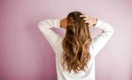 Sem quebra ou queda: dicas para manter os cabelos bonitos no outono