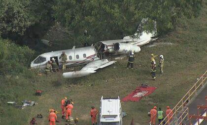Queda de jatinho no aeroporto da Pampulha mata piloto e fere dois