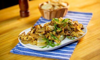 Veja essa deliciosa receita de tirinhas de Frango Aceboladas