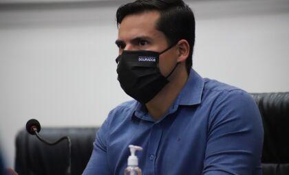 Juiz anula decisão do presidente da Câmara que arquivou denúncia contra vereador