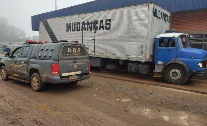 DOF flagra três toneladas de maconha em caminhão de mudanças