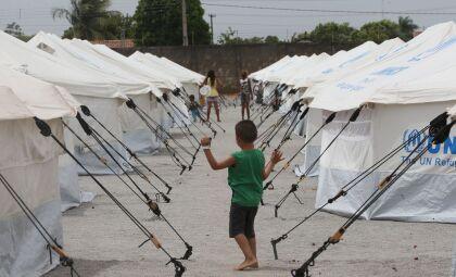 Refugiados no Brasil vêem futuro através de educação, saúde e esporte