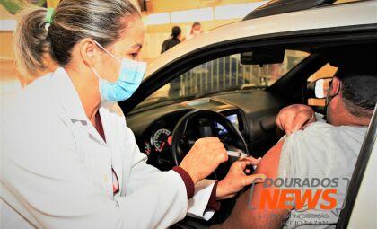 Dourados encerra dia de vacinação contra o coronavírus com 1,4 mil doses aplicadas
