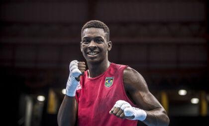Boxeador Hebert Conceição avança às quartas em Tóquio