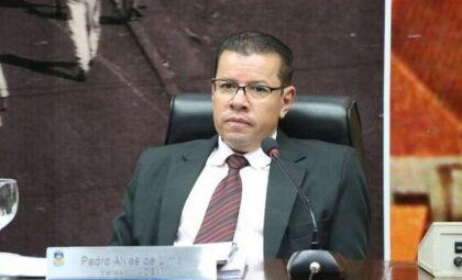 Ex-vereador acusado de corrupção vai ao STJ por direito de ser nomeado