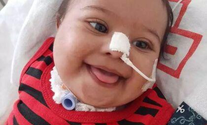 Família faz vaquinha de R$ 21,9 mil para cirurgia de bebê de 8 meses