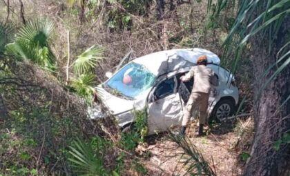 Homem morre após perder controle de direção e cair em ribanceira