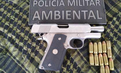 Jovem é preso por disparos e porte ilegal de pistola