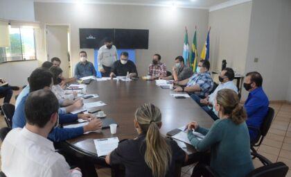 Gabinete de Crise se reúne para elaborar ações após temporal que atingiu Dourados