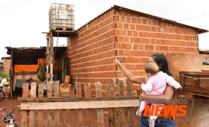"""""""Deus colocou a mão""""; na periferia, moradores avaliam danos e relatam susto com vendaval"""