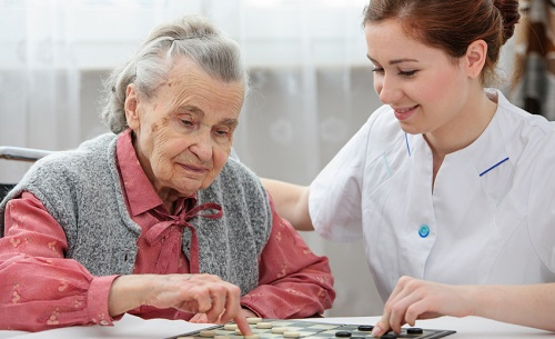 Resultado de imagem para cuidando do idoso